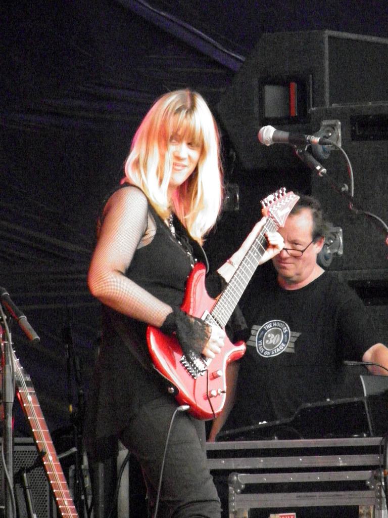Amanda Lehmann | ... of the Steve Hackett Electric Band at ...