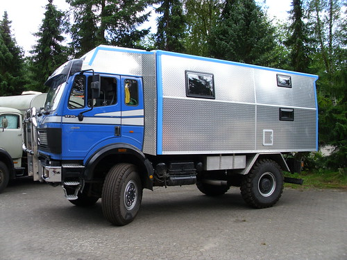 Mercedes benz 1735 camper 1 amelinghausen 2010 hog for Mercedes benz camper for sale