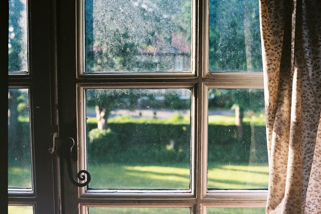 Privacy Window Film For Residential Living Rooms Draw Attention