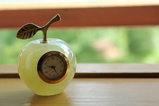 Green Apple Clock 1 | by nilsnh