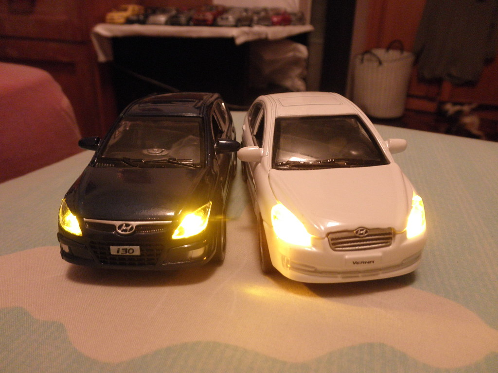 Hyundai Toy Cars With Headlights For Rm 25 90 8 15 Usd Flickr
