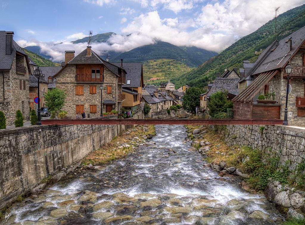 Eth n re nere river vielha val d 39 aran spain flickr - Inmobiliarias valle de aran ...
