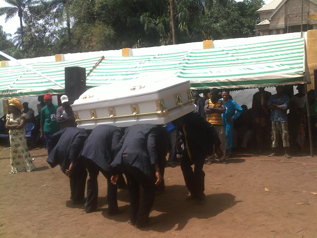 funeral customs of african americans and African-american funeral traditions originated centuries ago, and rituals from the african continent still echo in today's services.