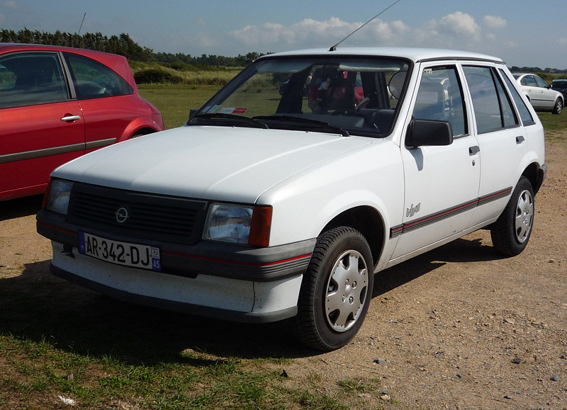 opel corsa 1 2 5dr 39 viva 39 not sure if viva is a special ed flickr. Black Bedroom Furniture Sets. Home Design Ideas