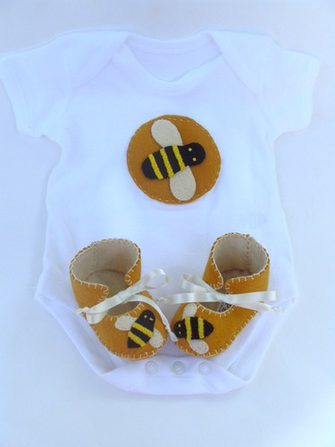Bumble Bee Baby Shower Sheet Cake