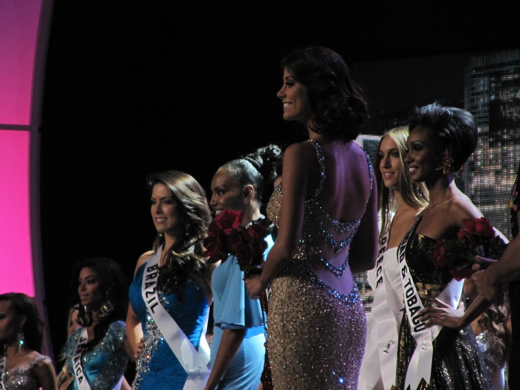 Miss Universe 2009 prepares to give up her crown