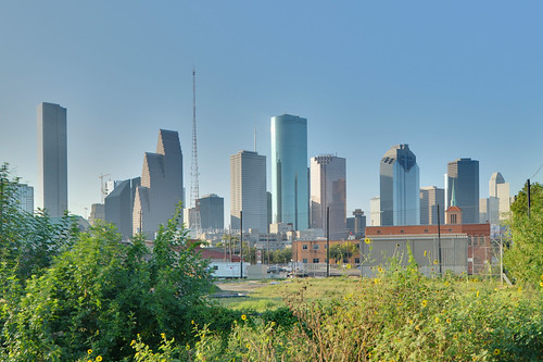 Houston Skyline from RR Tracks at Houston St (HDR) | by euthman