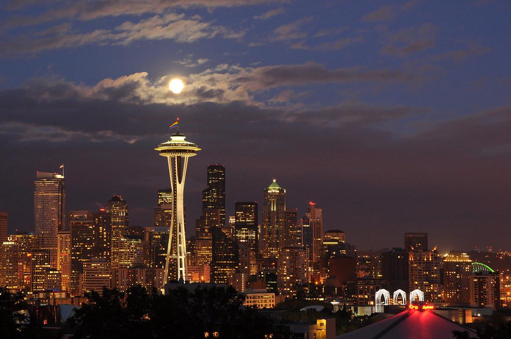 Full Moon Seattle Washington Full Moon Over Seattle