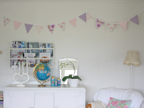 Bunting | by - Haust -