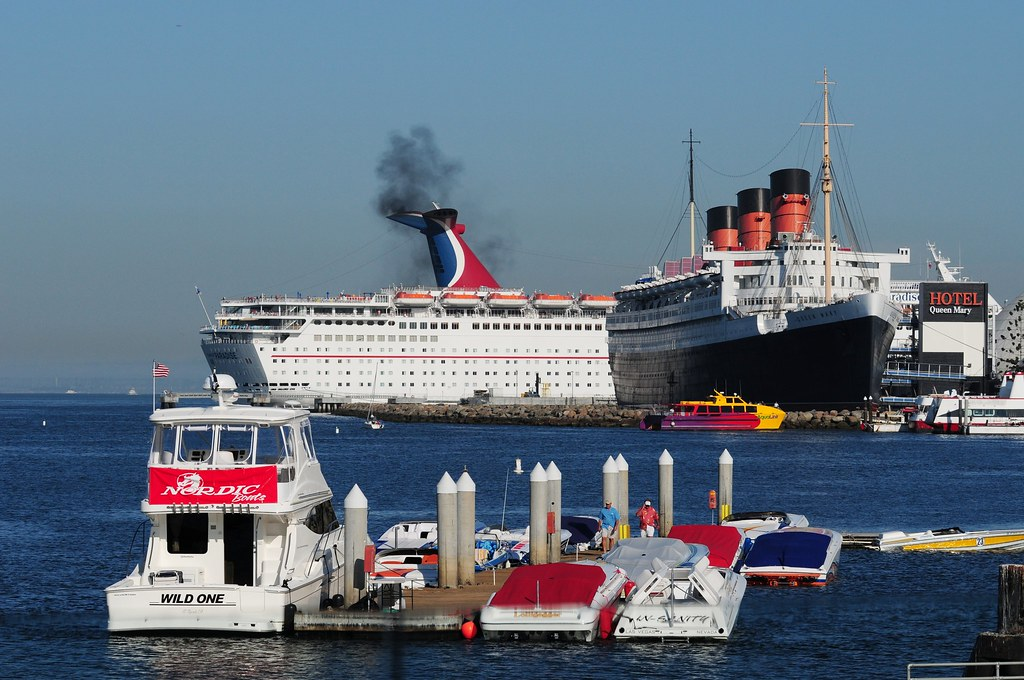 Rms Queen Mary And Her Court I Had The Opportunity To Shoo Flickr