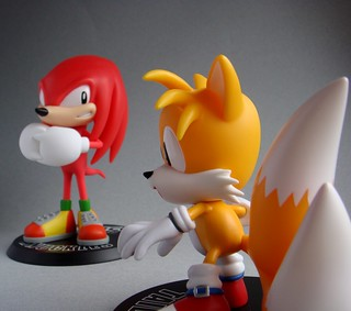 Knuckles & Tails | by le-topographe