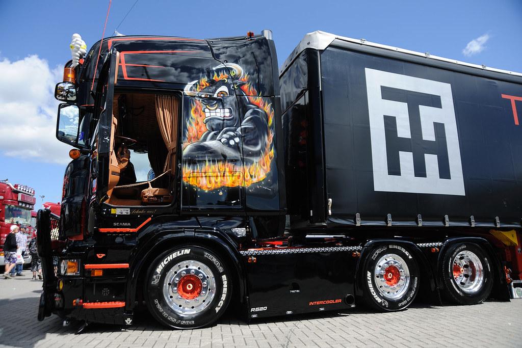 Scania v8 Logo Scania v8 Showtruck