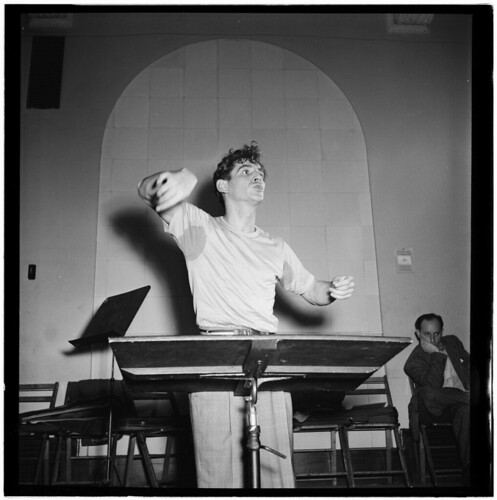 [Portrait of Leonard Bernstein, Carnegie Hall, New York, N.Y., between 1946 and 1948] (LOC) | by The Library of Congress