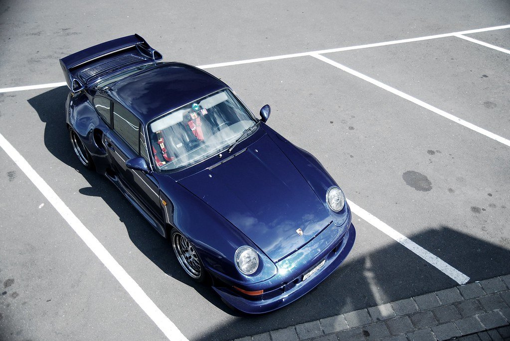 porsche 993 gt2 the gt2 is the racing version of the. Black Bedroom Furniture Sets. Home Design Ideas
