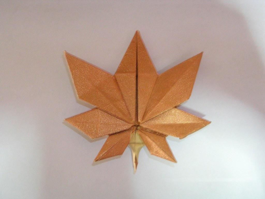 Origami Maple Leaf | luciffer_ckt | Flickr - photo#26