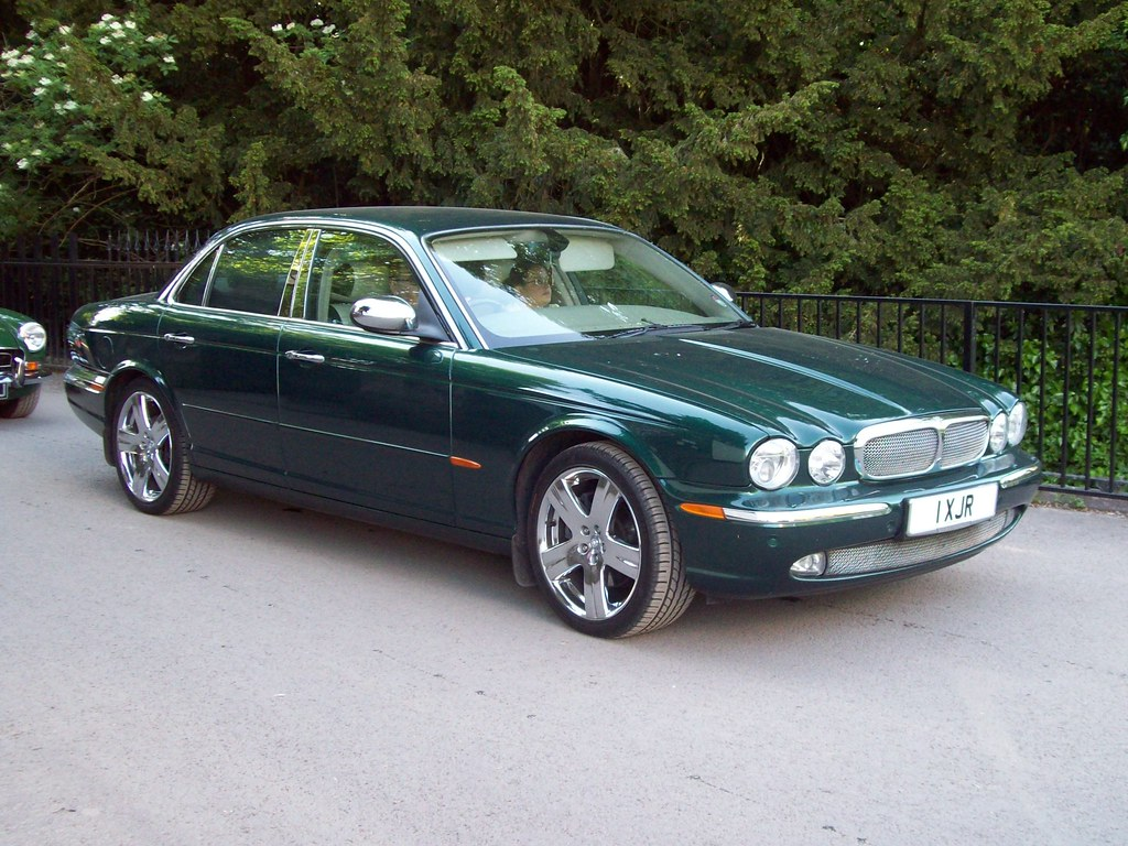 90 jaguar xj8 x350 v8 se auto 2004 09 jaguar xj8 x350. Black Bedroom Furniture Sets. Home Design Ideas