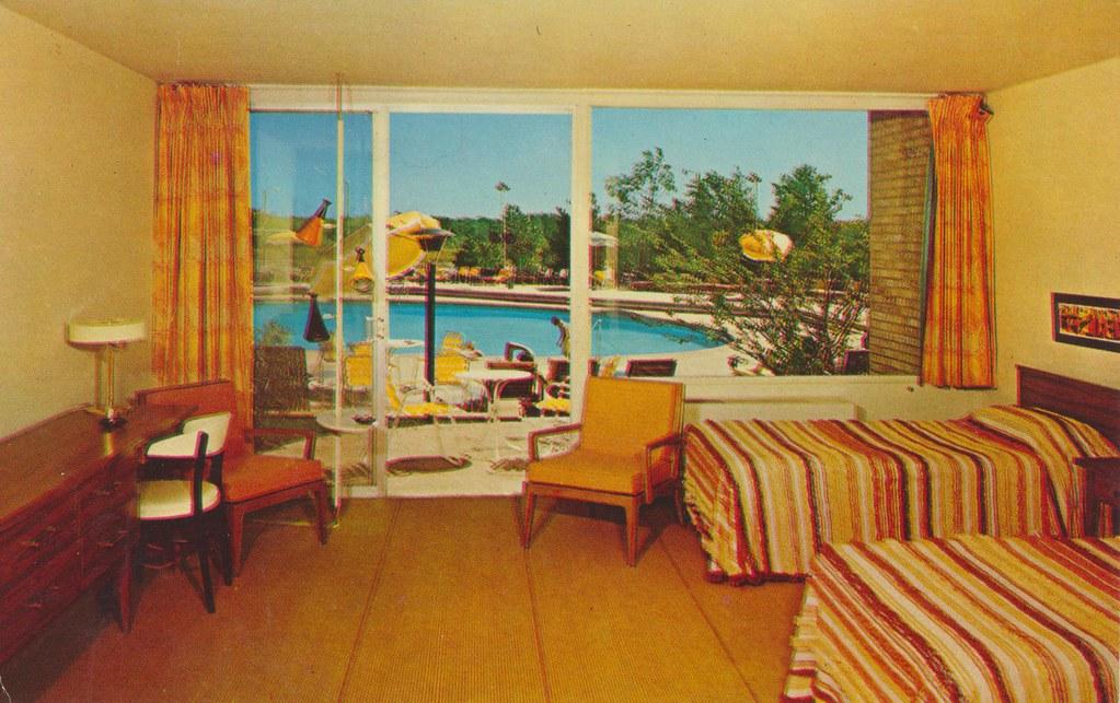 Villa Moderne Motor Hotel - Highland Park, Illinois