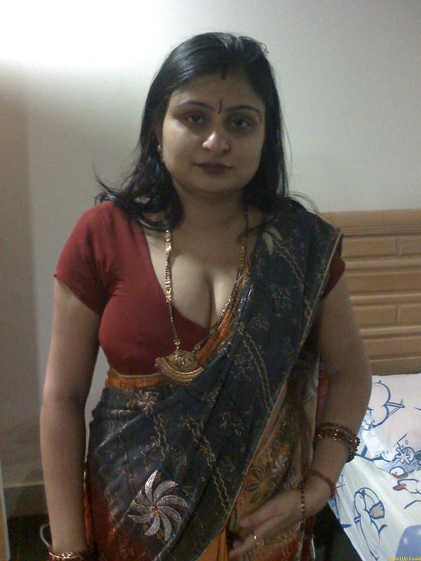 saree blouse photos Indian aunties