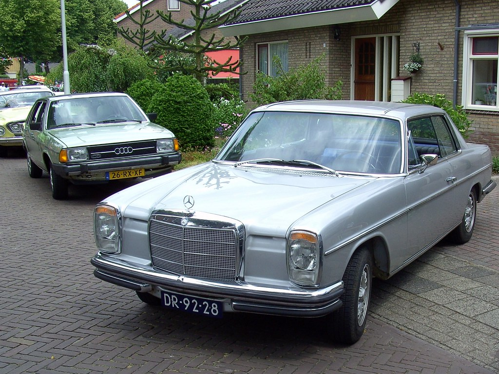 1969 mercedes benz 250c in the background we see a 1979 for Mercedes benz 250c