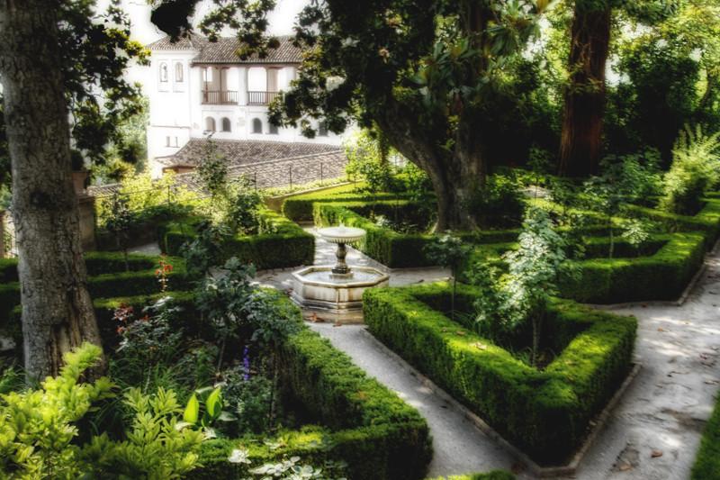 Generalife gardens granada jardines del generalife flickr for Arboles altos para jardin
