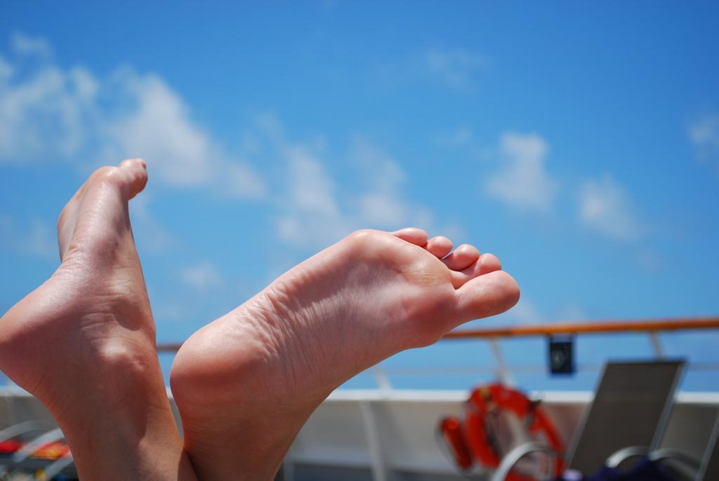 Feet Wings