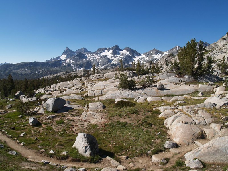 Heading north on the PCT, looking back at Banner Peak, Mount Ritter, and Mount Davis