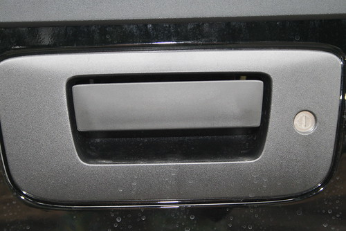 Locking Tailgate Featured On The All New 2011 Gmc Sierra 2