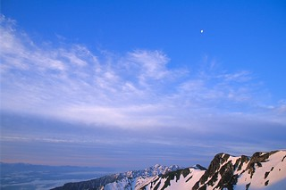 Moon Over the Chuo Alps at Dawn 中央アルプスの上に月 | by Peter_Skov