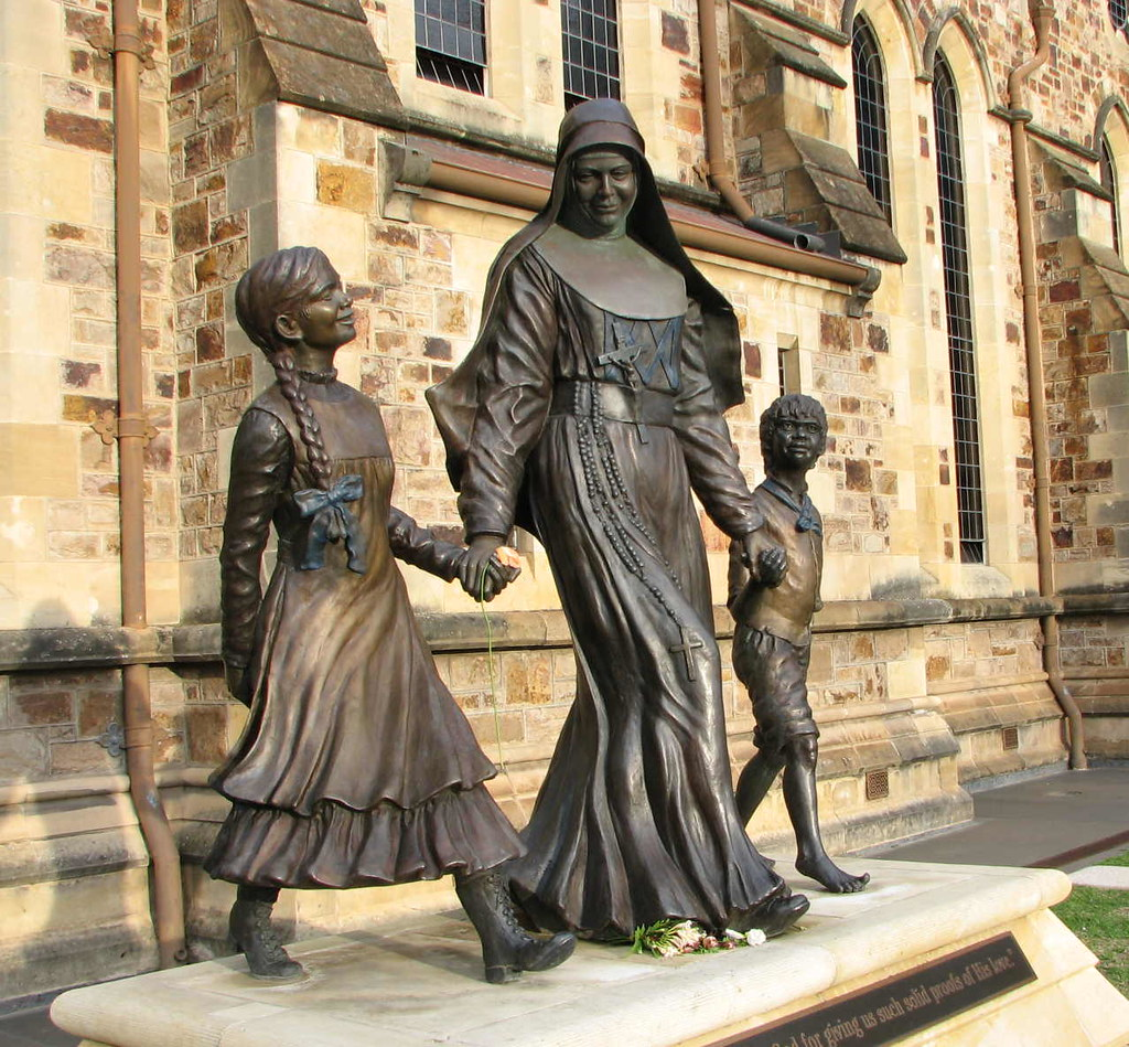 Saint Mary MacKillop S10318 | Sculpture of St Mary ...
