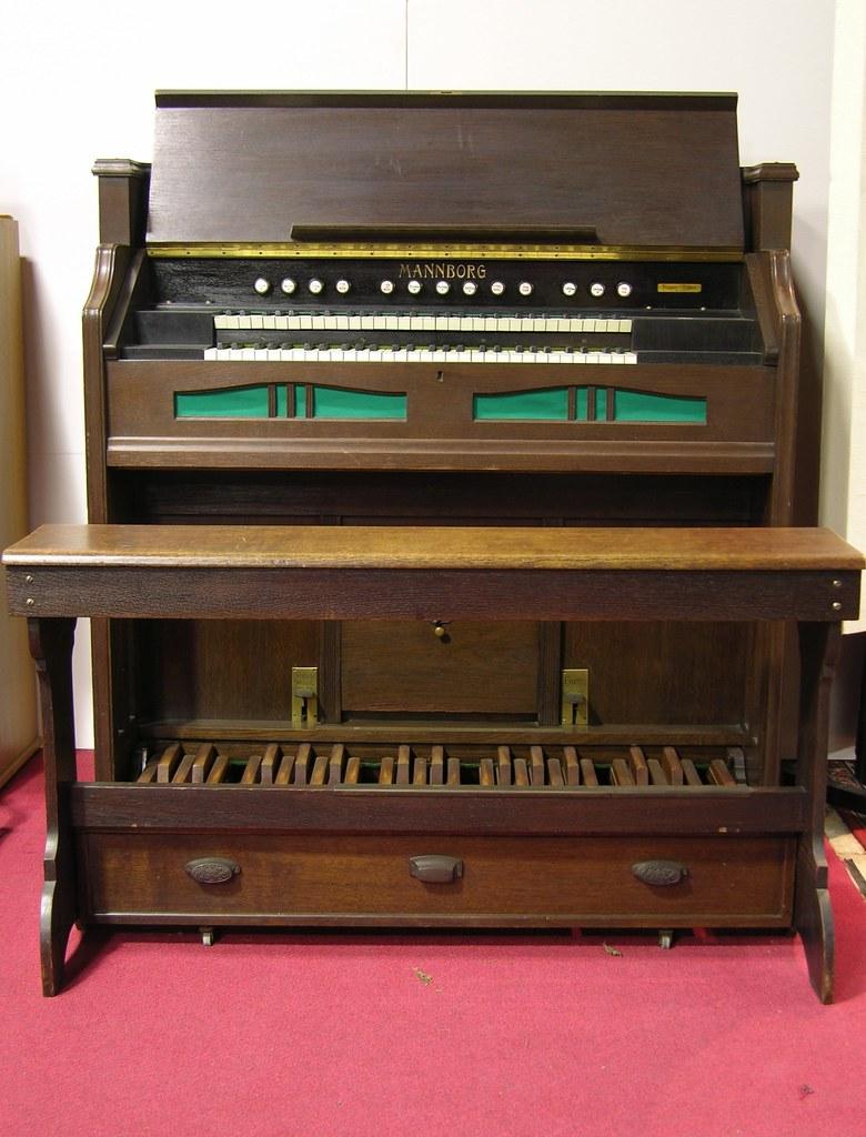 reed organ mannborg two manuals en pedal 1925 flickr rh flickr com Church Organ 2 manual reed organ