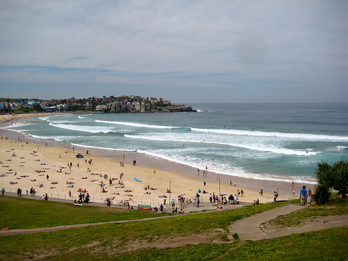 how to get from sydney airport to bondi beach