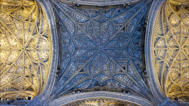 Cathedrale plafond flickr photo sharing - Plafond cathedrale decoration ...