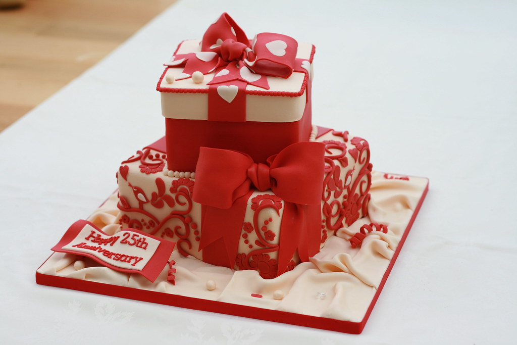 Silver Wedding Anniversary Cakes Images