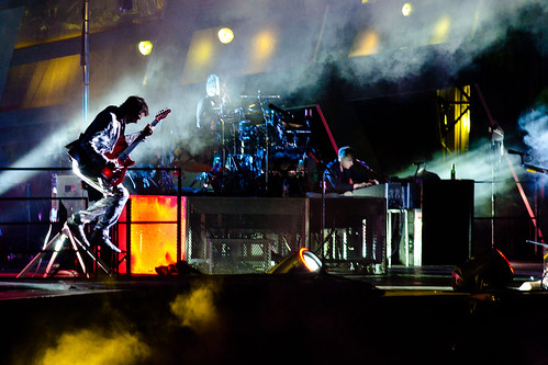Muse @ Wembley Stadium: Levitating Matt | by crazybobbles