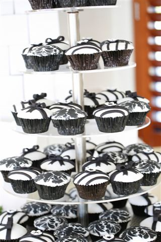 Black and White Wedding Cupcakes – fashion dresses