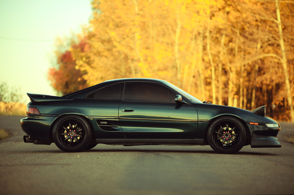 MR2   Shot this beauty tonight, I haven't seen it