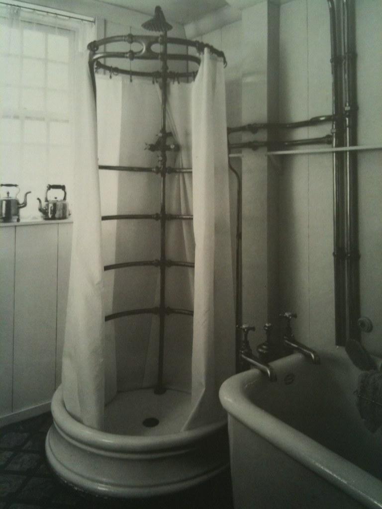 Wrap around Shower | Not my photo | Scott Weir | Flickr