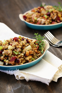 baconcranberrystuffing | by goodlife.eats