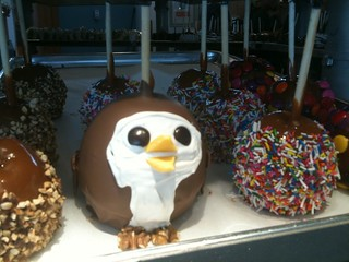 Just spotted the @HootSuite owl in candy apple form | by miss604