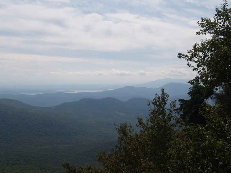 The view southeast looking at the Hudson River from Indian Head Mountain