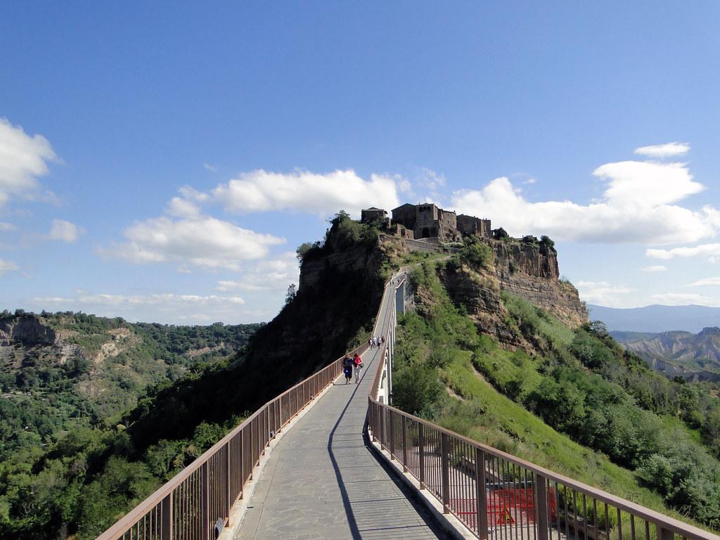 Civita di Bagnoregio | Civita è una frazione del comune di B… | Flickr