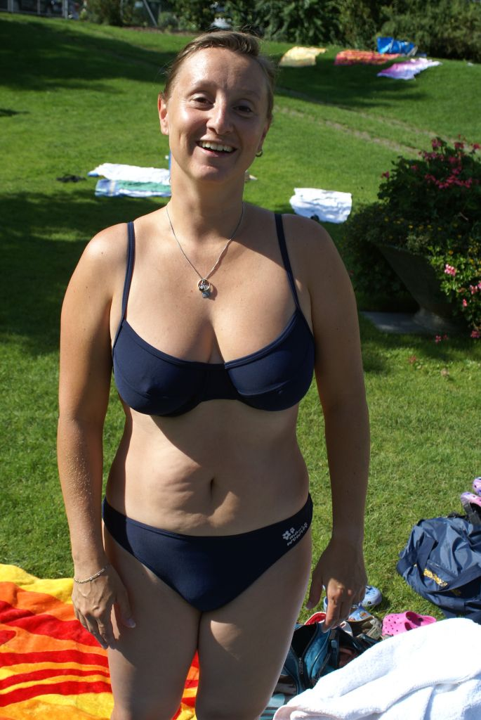 Girl mature swimsuit pics