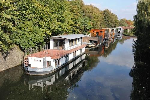 9814 neugebaute hausboote auf dem eilbekkanal wohnen auf flickr. Black Bedroom Furniture Sets. Home Design Ideas