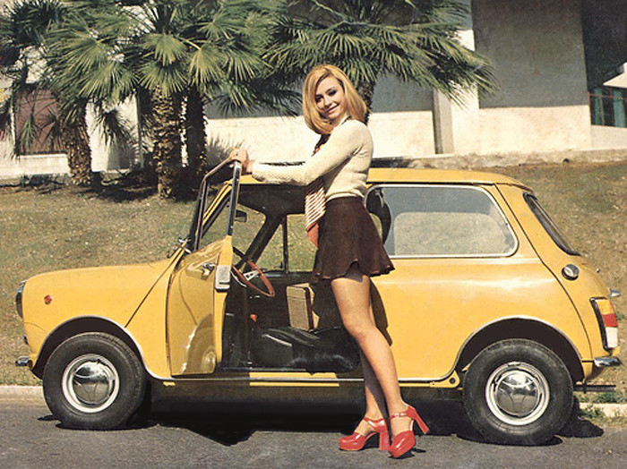 Vintage Mini From The 70 S With Raffaella Carr 224 Which