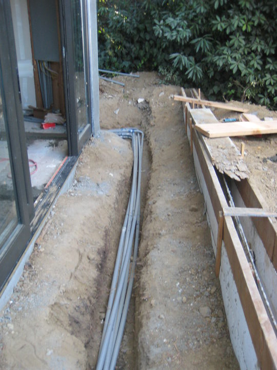 how to run electrical conduit underground