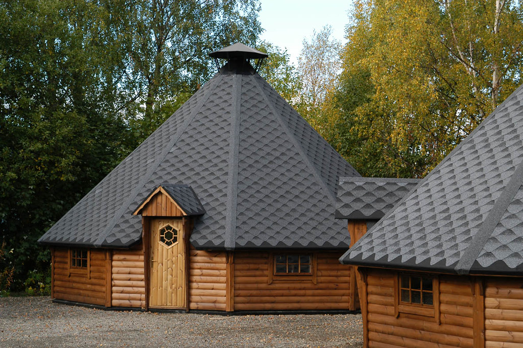 Radisson blu lillehammer hotel log cabins four log for Log cabin montagne blu