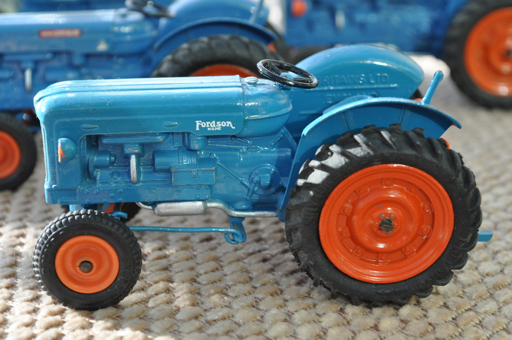 Old britains farm toys