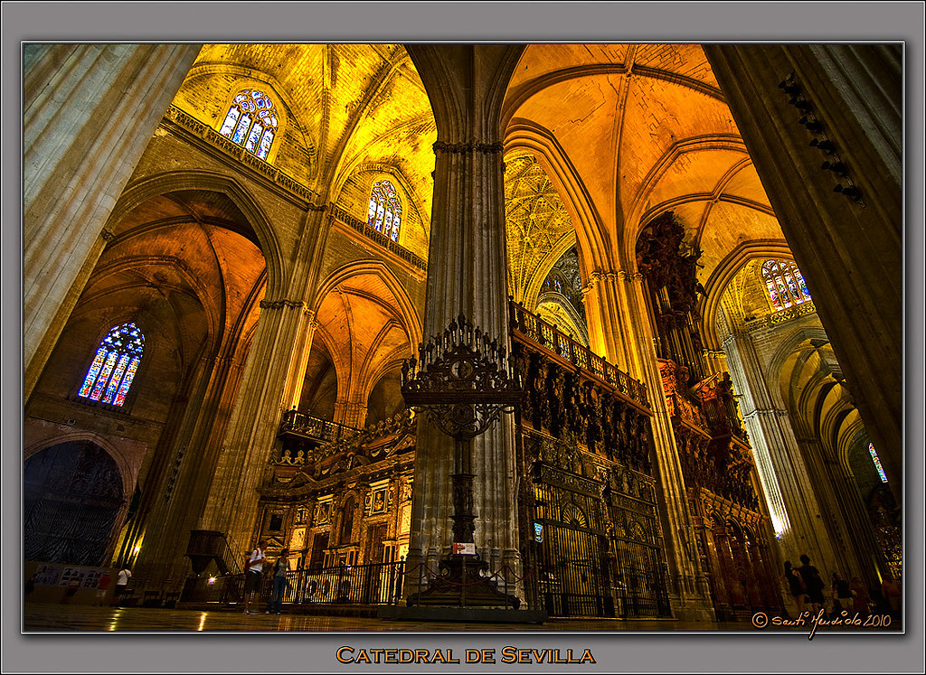Catedral de sevilla contrapicado de la catedral de for Exterior catedral de sevilla