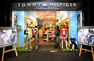 Tommy Hilfiger Bags: Shop for Tommy Hilfiger Bags online at best prices in India. Choose from a wide range of Tommy Hilfiger Bags at newcased.ml Get Free 1 or 2 day delivery with Amazon Prime, EMI offers, Cash on Delivery on eligible purchases.
