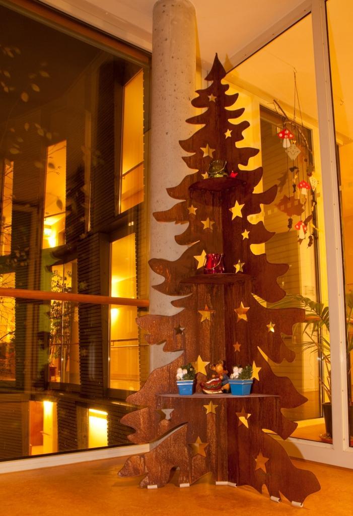 weihnachtsbaum aus eisen kaum ist der volkstrauertag sowi flickr. Black Bedroom Furniture Sets. Home Design Ideas